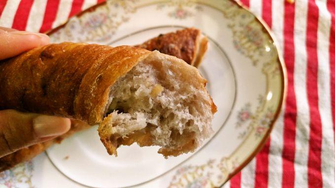 ホワイトチョコとカシューナッツのパン